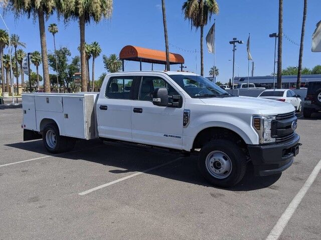 1//50 First Gear CUSTOM lifted w//off road tires white 2019 Ford F250 crew cab