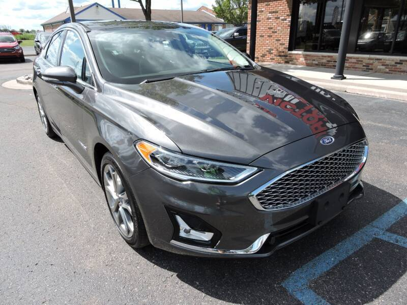 2019 Ford Fusion Hybrid Titanium 4dr Sedan Chesterfield MI