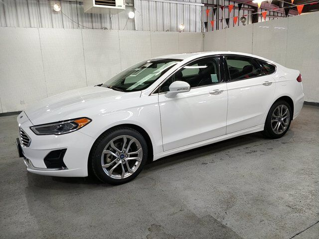 2019 Ford Fusion SEL w/ Moon roof Oroville CA