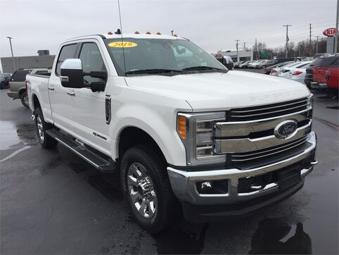 2019_Ford_Super Duty F-250 SRW_LARIAT 4WD_ Evansville IN