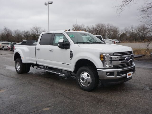2019 Ford Super Duty F-350 DRW Lariat 4WD Crew Cab 8' Box