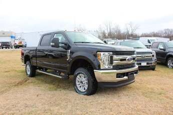 2019_Ford_SuperDuty_F-250 XL STX Appearance Package_ Cape Girardeau MO