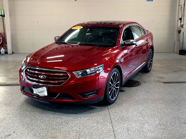 2019 Ford Taurus Limited Janesville WI