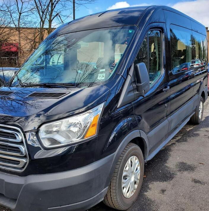 2019 Ford Transit Passenger Wagon XLT Medium Roof 12 Passenger Backup Camera 1 Owner Springfield NJ