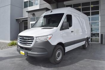Freightliner Sprinter Cargo 2500 High Roof 144 RWD 2019