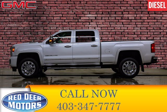 2019 GMC Sierra 2500HD 4x4 Crew Cab Denali Diesel Leather Roof Nav Red Deer AB
