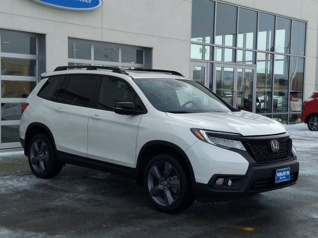 2019 Honda Passport Touring AWD Green Bay WI