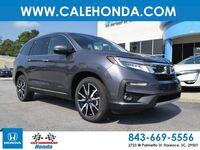 Honda Pilot Touring w/Rear Captains Chairs 2019