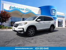 2019_Honda_Pilot_Touring w/Rear Captains Chairs_ Johnson City TN