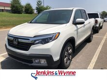 2019_Honda_Ridgeline_RTL-E AWD_ Clarksville TN