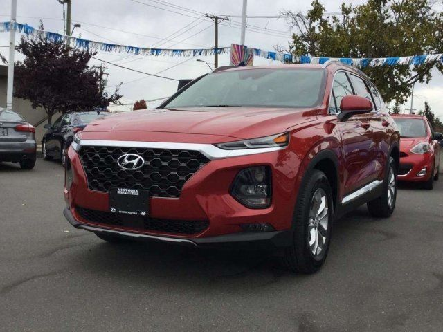 2019 Hyundai Santa Fe Essential AWD w/Safety Package Manager Demo! Victoria BC