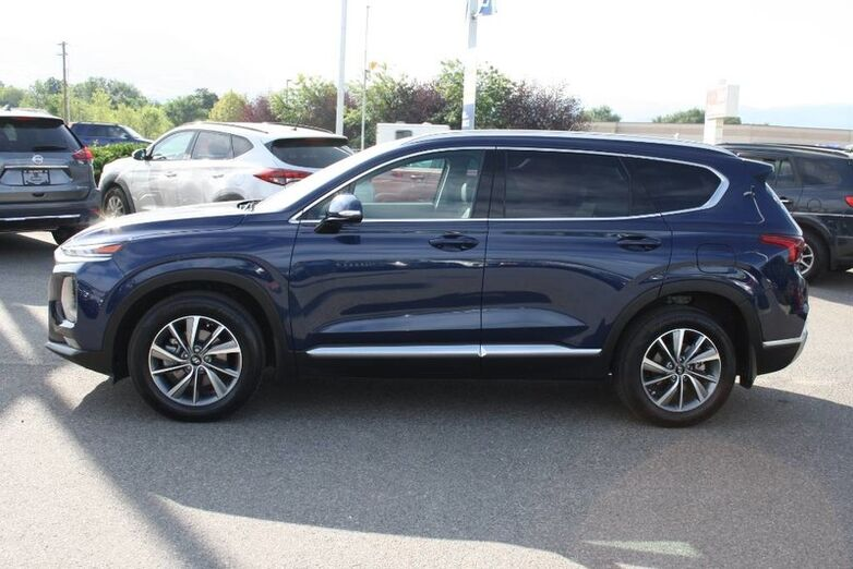 2019 Hyundai Santa Fe Preferred Blindspot,Heated seat and steering wheel,Backup camera Kelowna BC