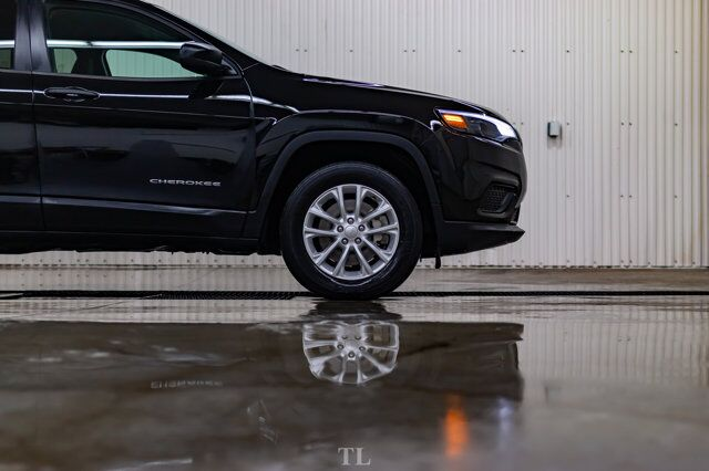2019 Jeep Cherokee 4x4 Sport BCam Red Deer AB