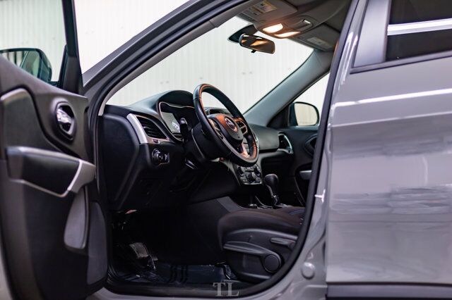 2019 Jeep Cherokee 4x4 Upland BCam Red Deer AB