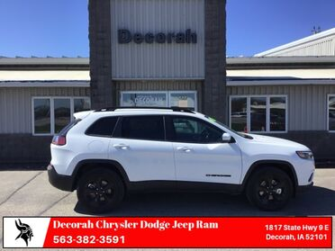 2019_Jeep_Cherokee_Altitude_ Decorah IA