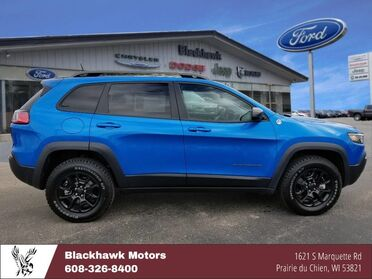 2019_Jeep_Cherokee_Trailhawk_ Decorah IA