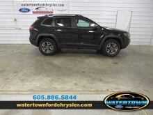 2019_Jeep_Cherokee_Trailhawk_ Watertown SD