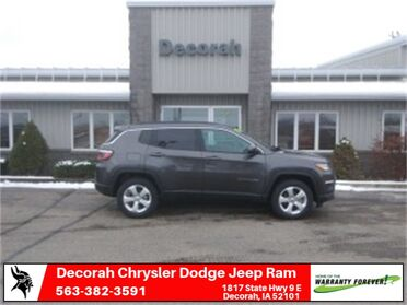 2019_Jeep_Compass_Latitude_ Decorah IA