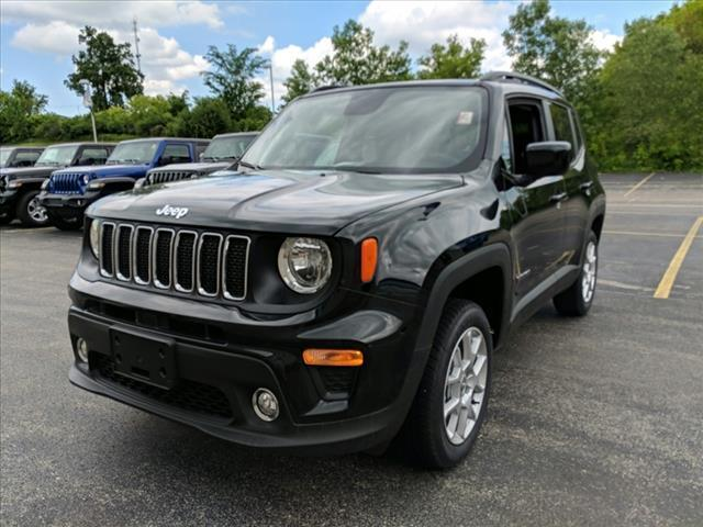 2019 Jeep Renegade Latitude Milwaukee and Slinger WI