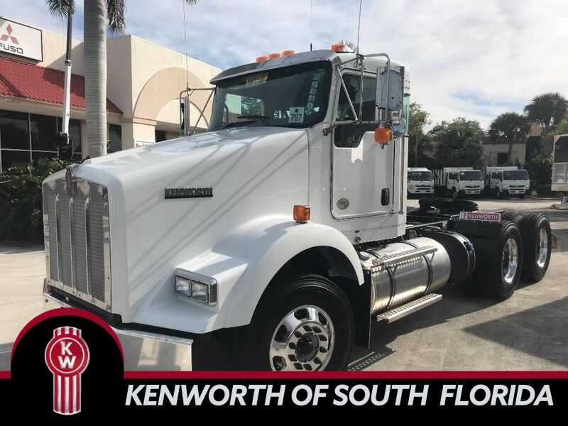 2019 Kenworth T800 Day Cab