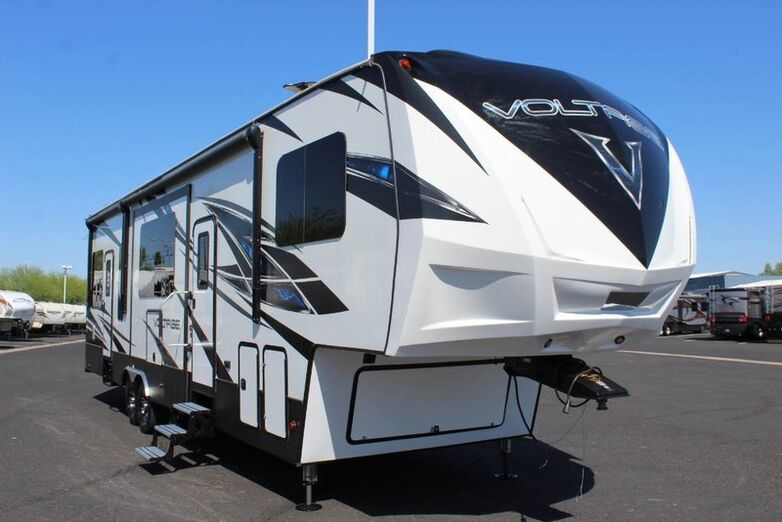 2019 Keystone Voltage 3655 Triple Slide Toyhauler Mesa AZ