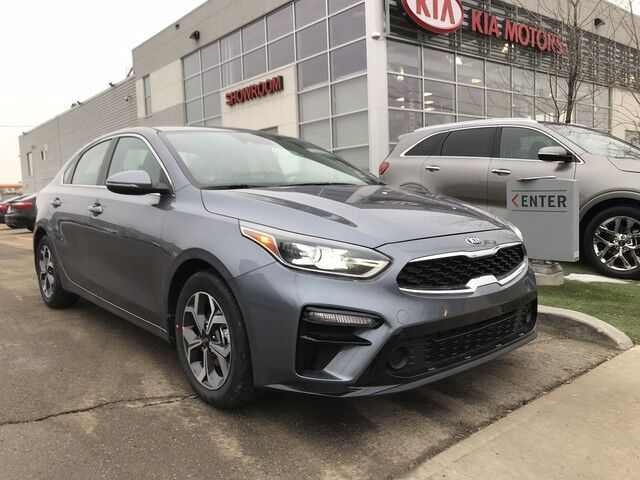 2019 Kia Forte EX IVT FWD 2.0L *BLIND SPOT DETECTION/REAR CROSS TRAFFIC ALERT/SLIDING CENTER ARMREST* Edmonton AB
