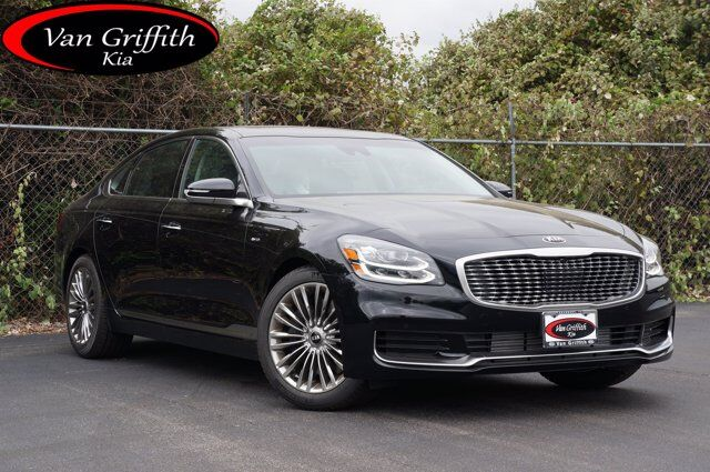 2019 Kia K900 Luxury
