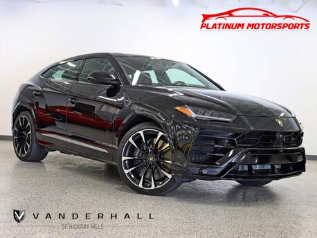 2019_Lamborghini_Urus_1 Owner Fully Loaded Pano Roof Rear Entertainment_ Hickory Hills IL