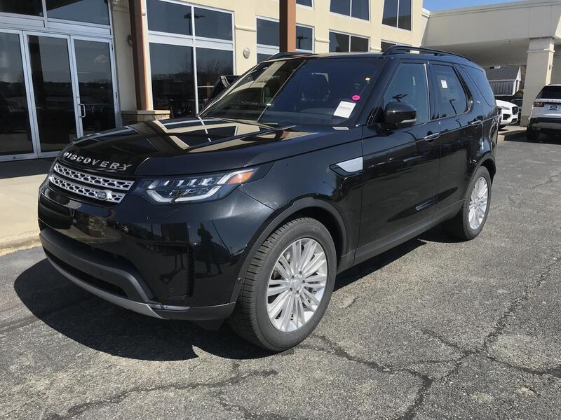 2019_Land Rover_Discovery_HSE Luxury_ Warwick RI