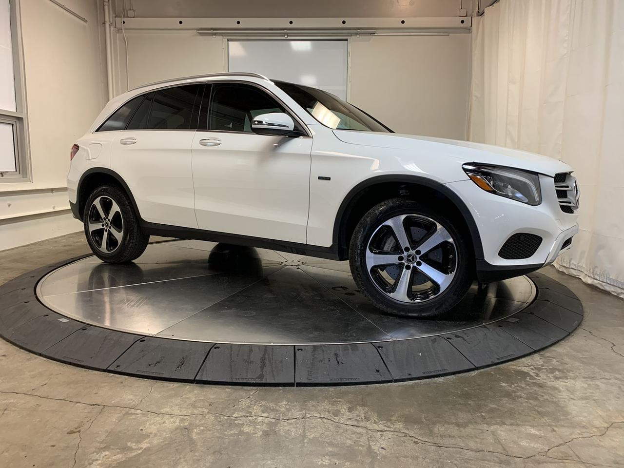 2019 Mercedes-Benz GLC 350e 4MATIC 13k Miles Keyless Go Pano Nav Heated Seats