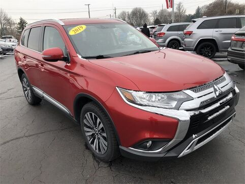 2019_Mitsubishi_Outlander_SEL S-AWC_ Evansville IN