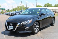 2019_Nissan_Altima_2.5 SL_ Fort Wayne Auburn and Kendallville IN