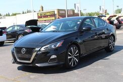 2019_Nissan_Altima_2.5 SR_ Fort Wayne Auburn and Kendallville IN