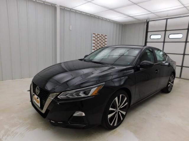 2019 Nissan Altima 2.5 SR Sedan Manhattan KS