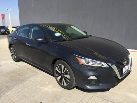 2019_Nissan_Altima_2.5 SV_ McAllen TX