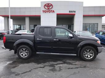 2019_Nissan_Frontier_Crew Cab 4x4 SL Auto *Ltd Avail*_ Richmond KY