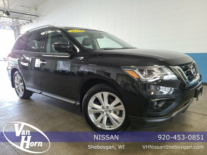 2019 Nissan Pathfinder SL Plymouth WI