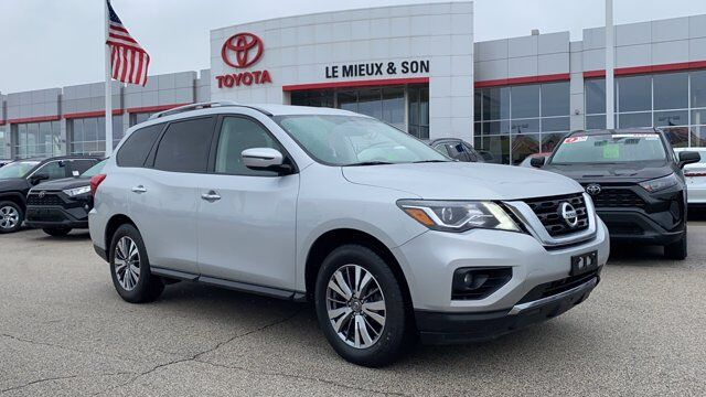 2019 Nissan Pathfinder SV Green Bay WI