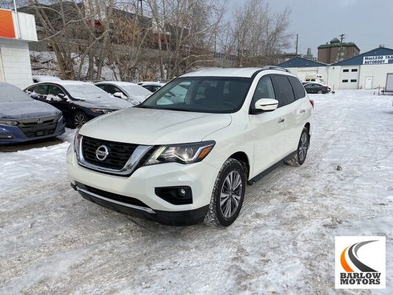 2019_Nissan_Pathfinder_SV Tech_ Calgary AB