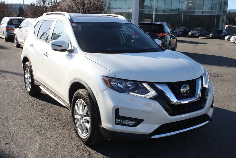 2019 Nissan Rogue SV Bluetooth, Power options,Backup camera, Heated seat and steer Kelowna BC
