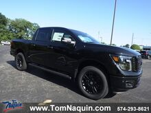 2019_Nissan_Titan_4x4 Crew Cab SL Midnight Edition_ Elkhart IN