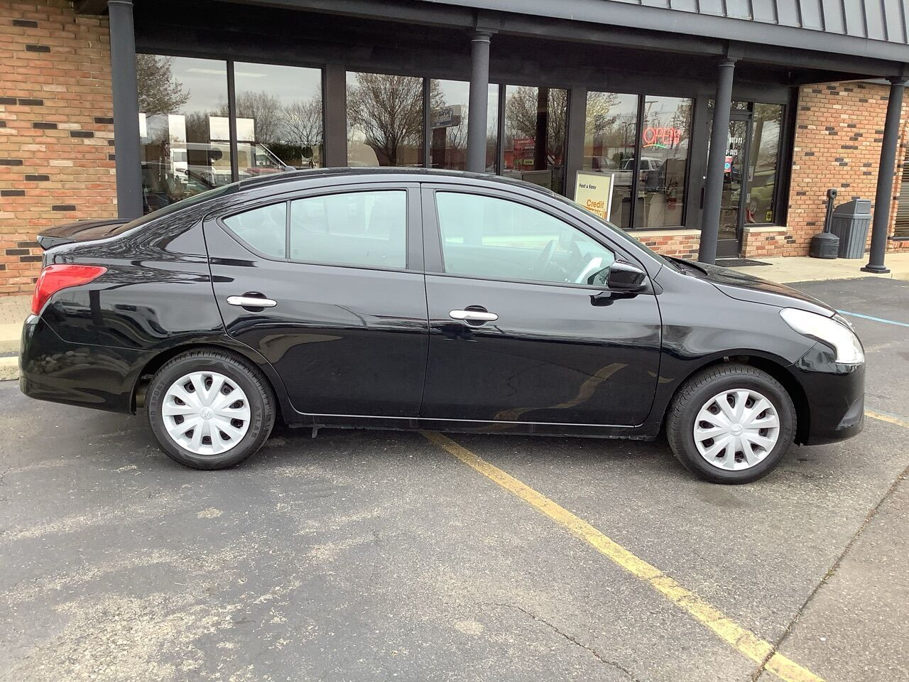 2019 Nissan Versa S 4dr Sedan Chesterfield MI