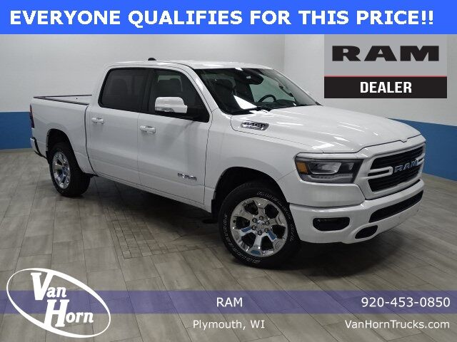 2019 Ram 1500 BIG HORN / LONE STAR CREW CAB 4X4 5'7 BOX Plymouth WI