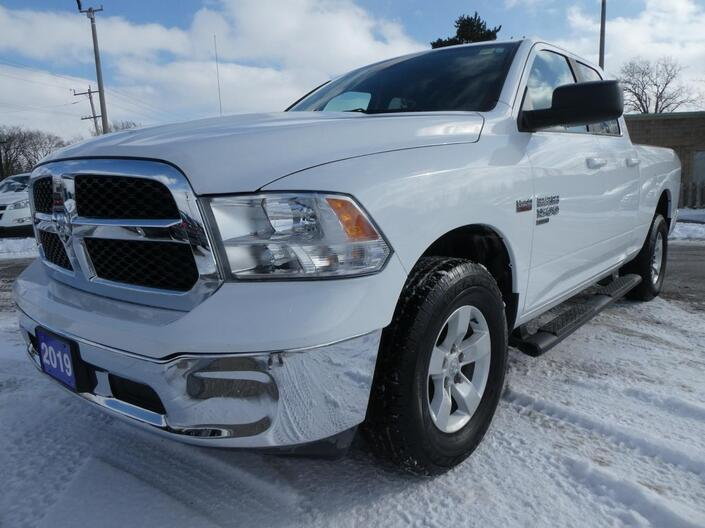 2019 Ram 1500 Classic 5.7L SLT | Back Up Cam | Cruise Control | 4x4 Essex ON