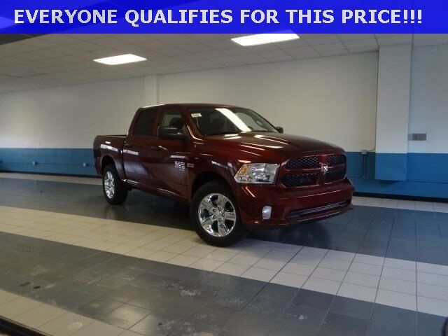 2019 Ram 1500 Classic EXPRESS CREW CAB 4X4 5'7 BOX Plymouth WI