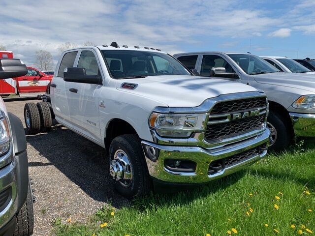 2019 Ram 3500 Chassis Cab TRADESMAN CREW CAB CHASSIS 4X4 172.4 WB