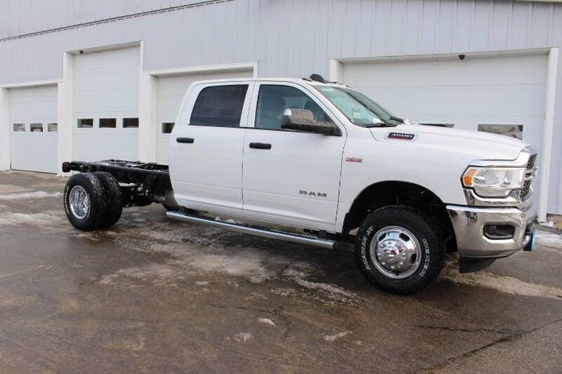 "2019 Ram 3500 Chassis Cab TRADESMAN CREW CAB CHASSIS 4X4 172.4 WB"" South Paris ME"