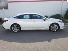 2019_Toyota_Avalon_Limited_ Decatur AL