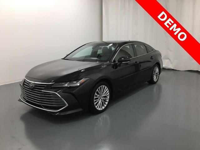 2019 Toyota Avalon Limited Holland MI