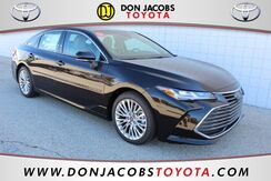 2019_Toyota_Avalon_Limited_ Milwaukee WI